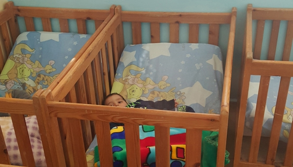 4 cribs